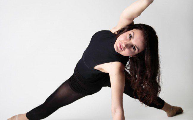 Frau in Tanzpose