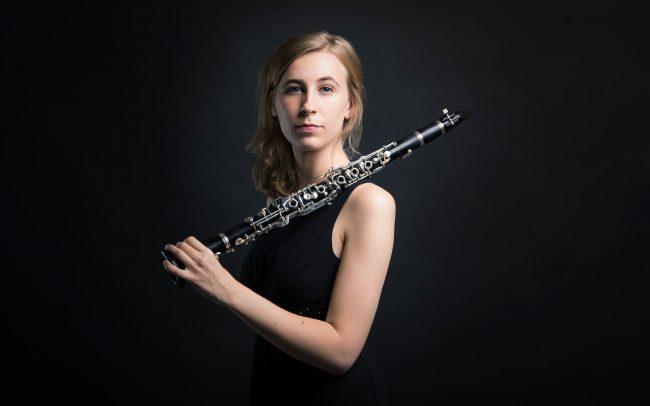 Klassische Musikerin Klarinette