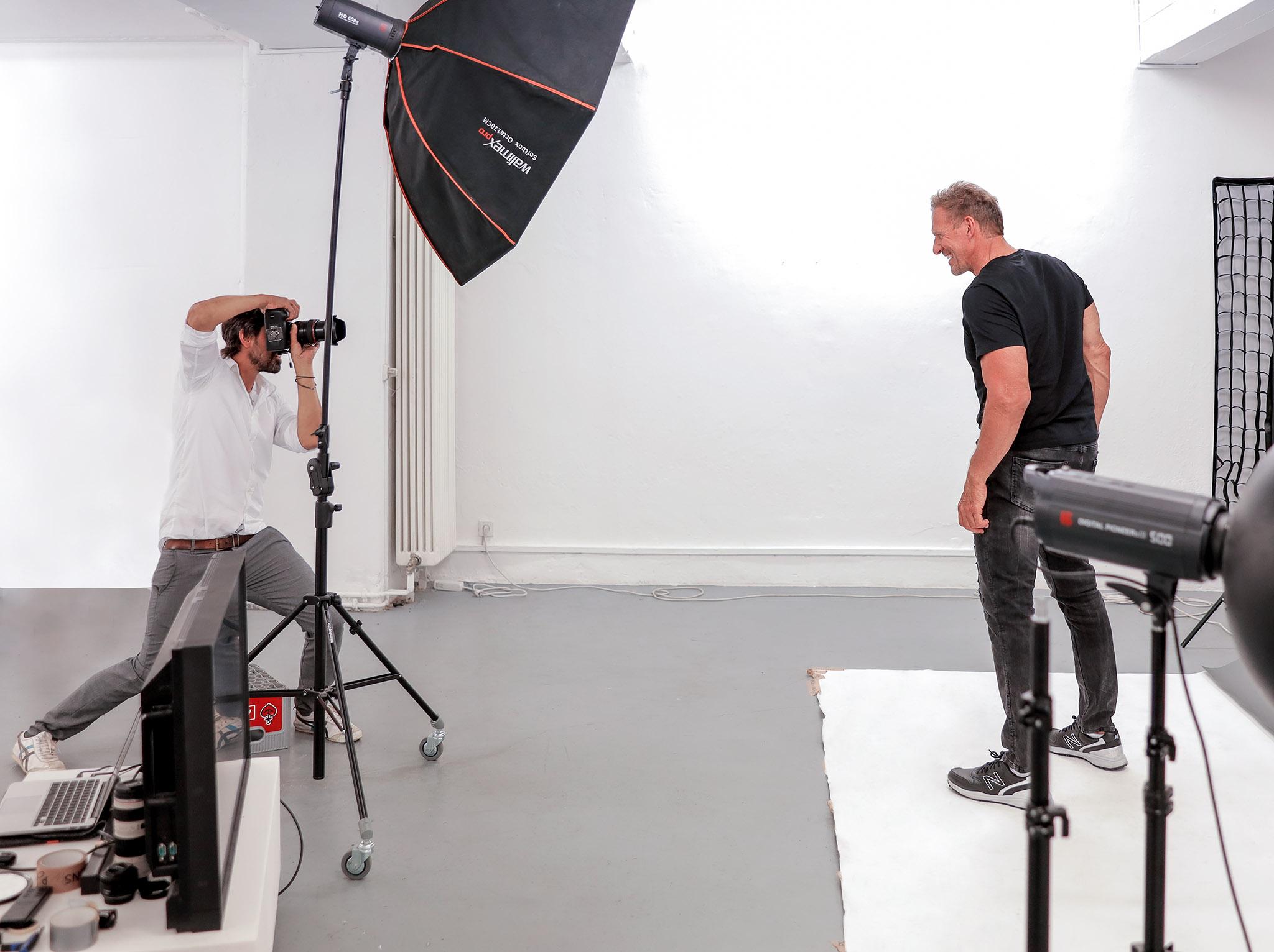 Rafl Moeller wird fotografier
